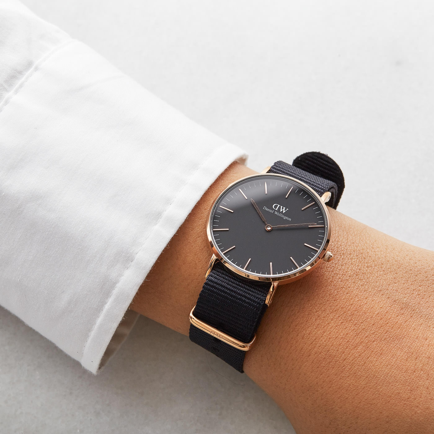 Daniel Wellington Classic Black DW00100150 hodinky - Hodinky 0b2ec52bb6